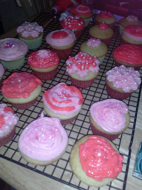 The fuchsia is my cream cheese frosting with Christmas Red food gel.